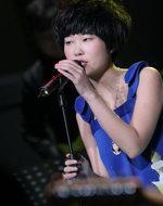 歌手龙宽演唱