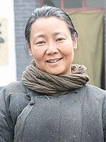 萨日娜饰孟母