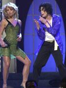 杰克逊布兰妮边舞边唱