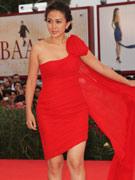 安雅火红裙装秀惹火身材