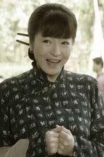 李瑞雯饰财  妈
