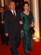 王铁成(左)王馥荔