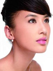 黄圣依代言彩妆品牌