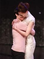 朱晨丽夺冠与母亲拥抱
