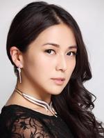安雅饰穆榕