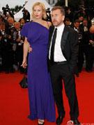 蒂姆-罗斯与高挑娇妻