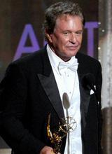 汤姆-贝伦杰迷你剧及电视电影类最佳男配角《海菲茨和麦考伊斯》