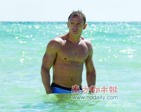 007海边剧照