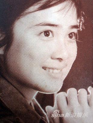 傅艺伟老照片