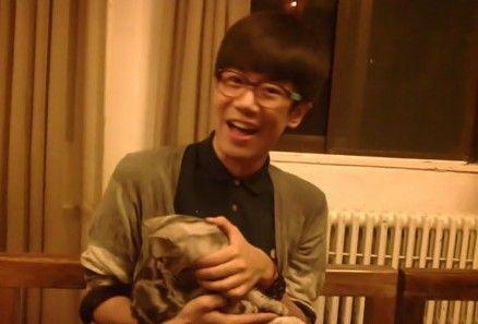 李雪健24岁儿子李亘近照