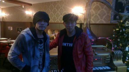 周杰伦、刘�u宏在其西安开办的KTV店里
