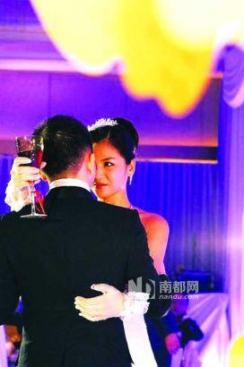2008年1月6日 两人在北京举办豪华婚礼,刘涛坦承已有三个月身孕。