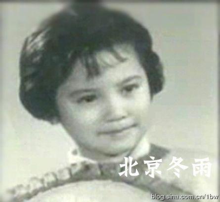 42岁俞飞鸿昔日可爱青涩照曝光