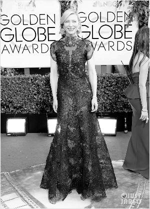 ▲凯特・布兰切特在金球奖上的Armani黑色蕾丝礼服让人惊艳。