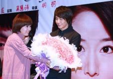 《夜玫瑰》首映钟汉良林心如马天宇粉丝团PK