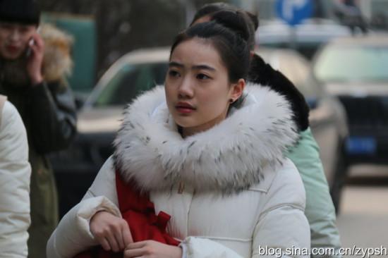 实拍:北京电影学院艺考帅哥美女难寻|北京电影学院