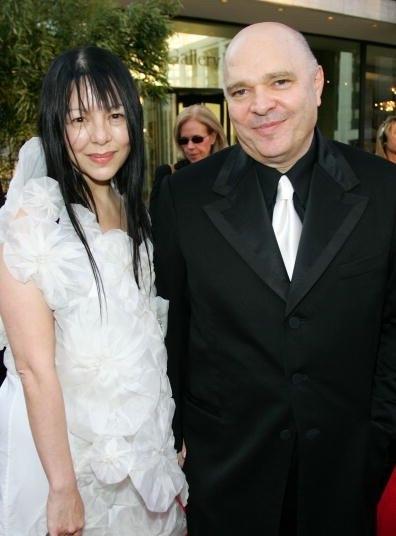 资料图片:导演安东尼-明格拉与中国妻子