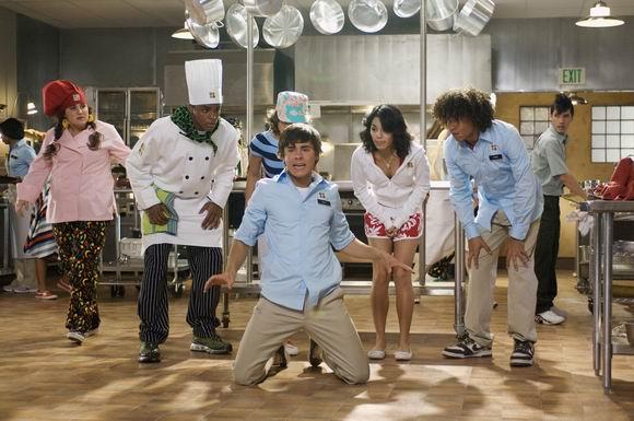 《歌舞青春2》剧照(3); 影片《歌舞青春》关于青春关于梦; >>返回电影
