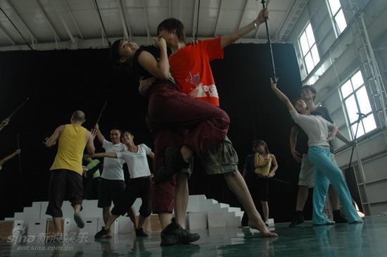 资料图片:电影《爱我就给我跳支舞》剧照(46)