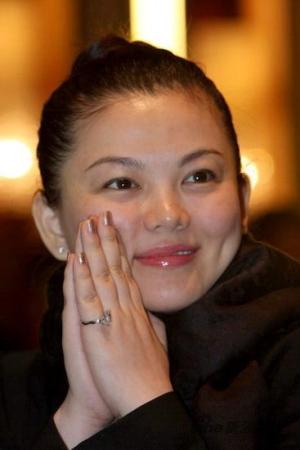 李湘坚持母乳喂养孩子政策允许下考虑要第二胎
