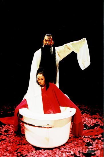 李六乙出访荷兰艺术节三部曲作为开幕大戏(图)