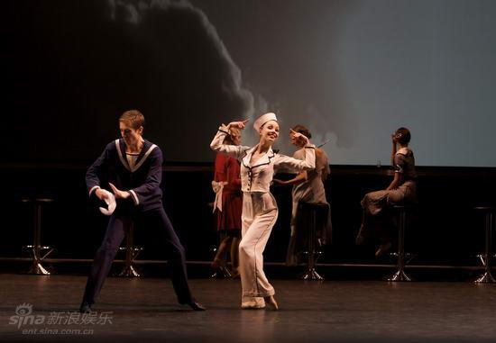 资料图片:苏格兰芭蕾舞团《喜从天降》剧照(4)