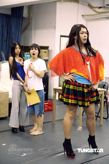 《小人国》加开9场全爆满朱薰被赞女版刘德华