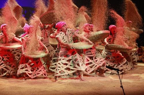 《云南的响声》:看杨丽萍舞蹈更看表演(图)
