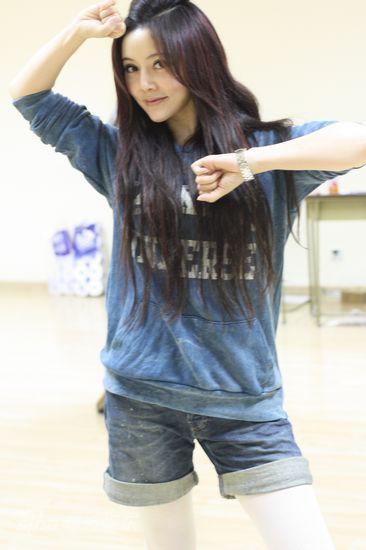 资料图片:《丐中丐》排练--陈晨秀舞技
