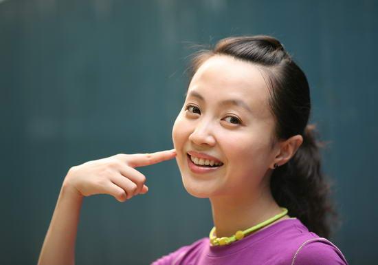 资料图片:国家话剧院女演员--翟佳