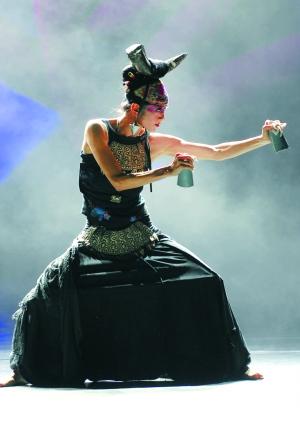 杨丽萍再舞《云南的响声》(图)