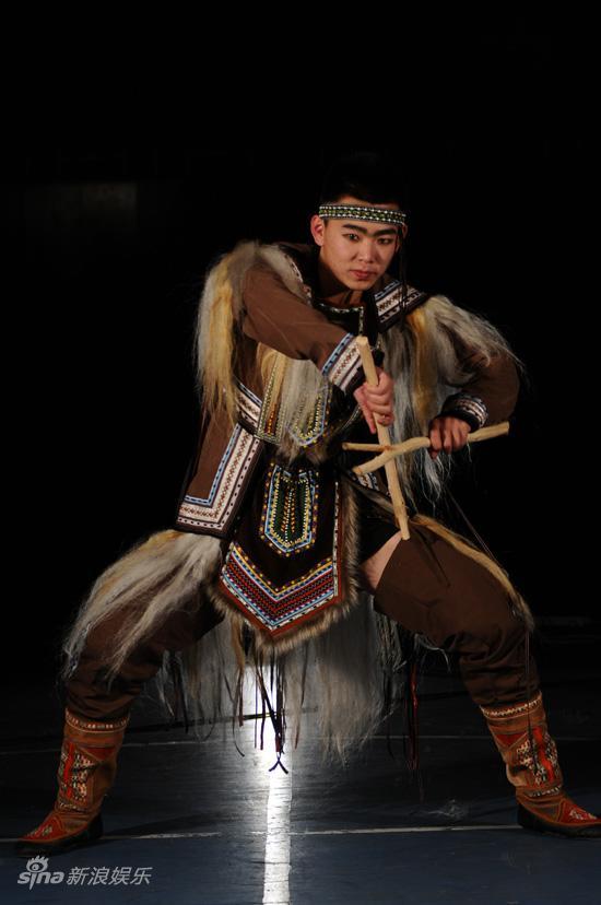 资料图片:舞台剧《敖鲁古雅》-熊的祭礼