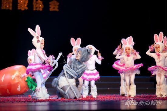 《兔气扬眉》摄影:李伟