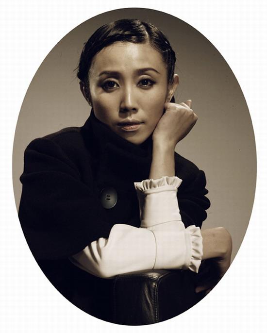 图文:话剧《红玫瑰与白玫瑰》主创-演员胡靖钒