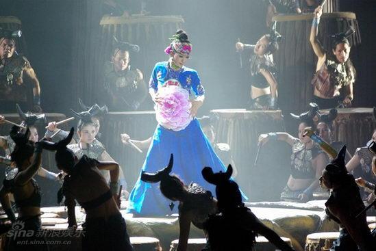 杨丽萍三部曲赢取市场口碑永远只对艺术负责