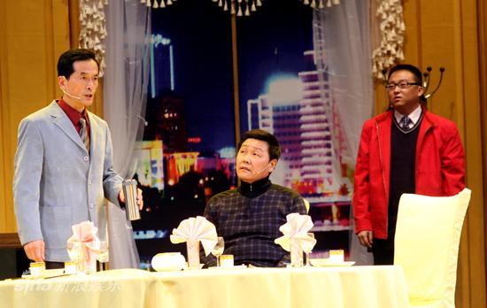 图文:话剧《饭局》首演-饭局的奢侈主义