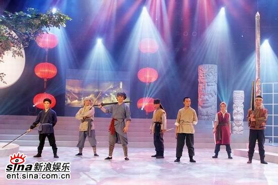 图文:梁羽生南宁录制广西电视台中秋晚会(7)