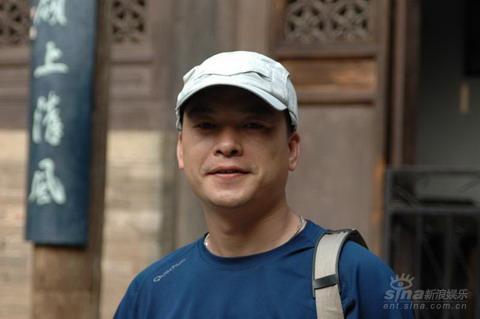 第二届华语青年影像论坛展映影片--《举自尘土》