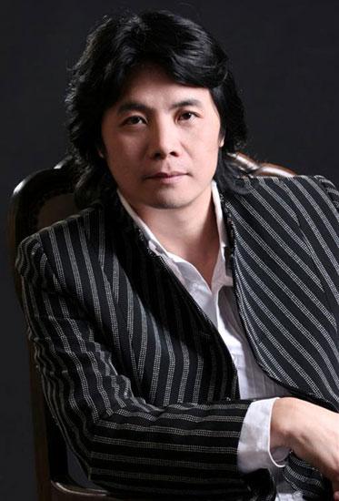 第11届上海国际电影节亚洲新人奖评委胡雪桦