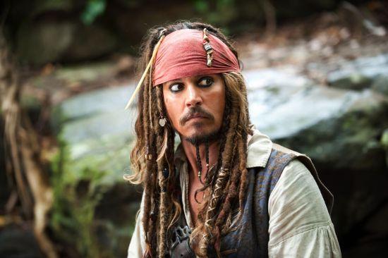 """""""   老杰克船长发现了很久以前的自己."""