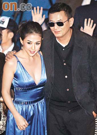 安雅粘着王家卫成功抢镜诺拉-琼斯赞上海(图)