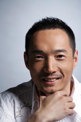 《刘跃进》被记者追问李易祥爆鸭笼就是一张床