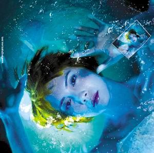 《深海寻人》吓人吓一半 海底浪漫让人心醉(图)