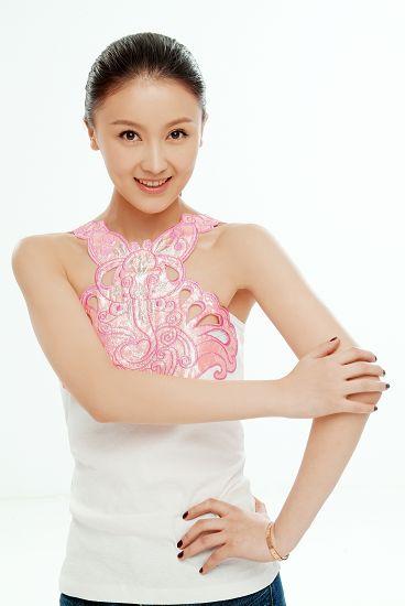 甘薇担任《机器侠》女主角刘镇伟寄望新人(图)