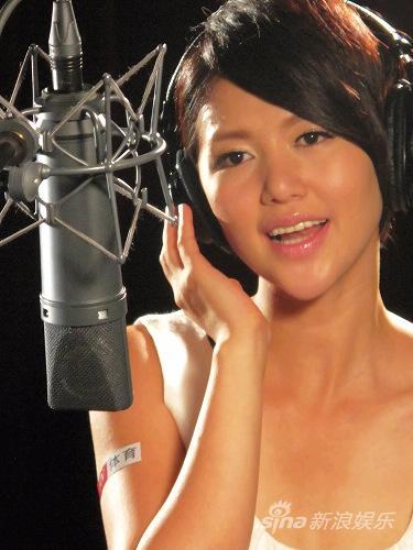 谭维维献唱北京奥运一周年将赴威尼斯电影节
