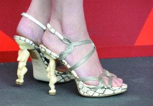 叶璇水城真的很搏裸女鞋跟加梦露造型