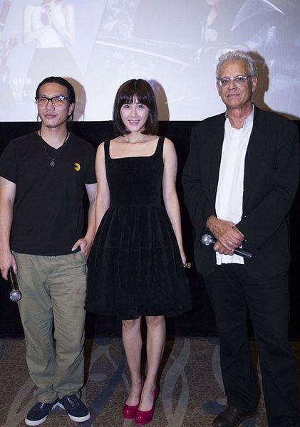 制片人比尔-伯顿、夏梓桐和导演宋岳峰在《龙之谷》杭州首映式