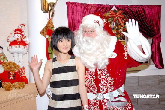 组图:周迅盼望圣诞下雪金马奖看好《色,戒》