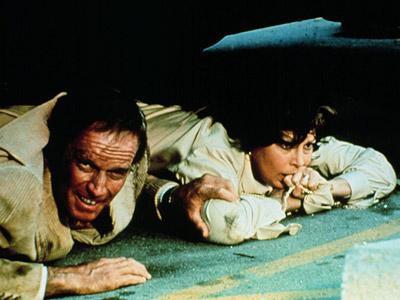 查尔顿-赫斯顿的经典荧幕形象:《大地震》