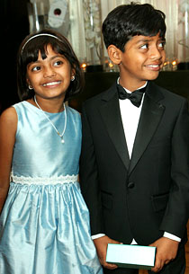 《贫民富翁》两童星将离开贫民窟搬到新家(图)